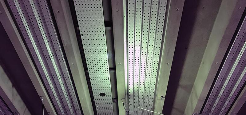 天井パンチングパネル