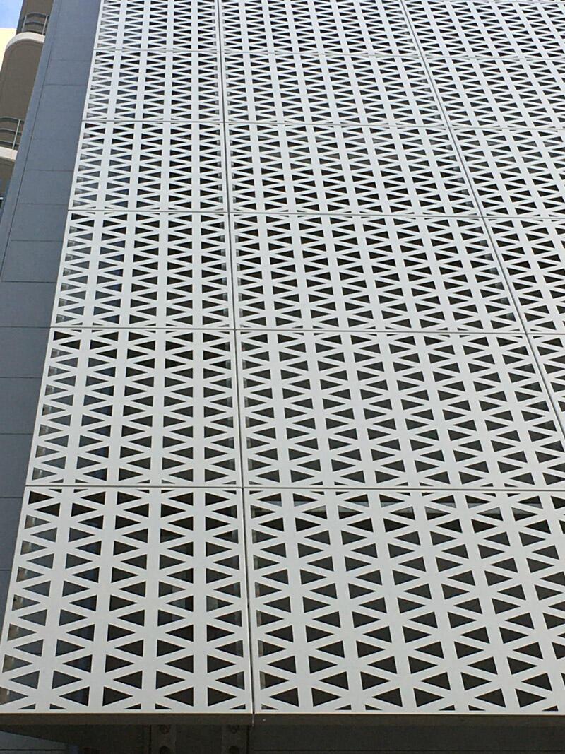 外装壁アルミシェード