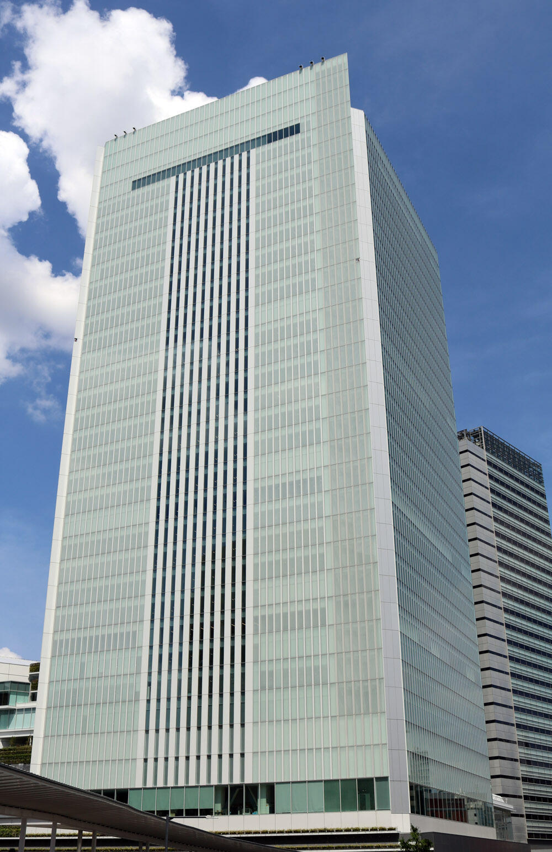 横浜市庁舎 システム天井パンチングパネル